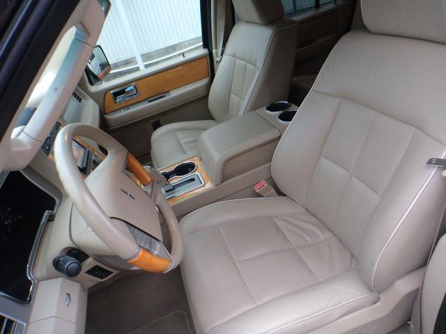 「リンカーン」「リンカーン ナビゲーター」「SUV・クロカン」「和歌山県」の中古車21