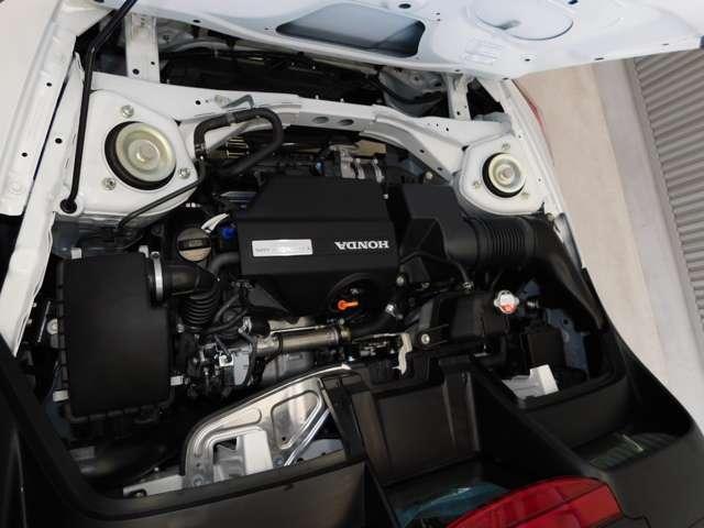 エンジンは、低・中速域での力強い走りを特徴とする高回転計660CC DOHCターボ、S660ではその資質を最大限に活かしながら、スポーツカーならではの軽快な走りが追及されております。