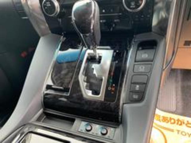 2.5S Cパッケージ 両側パワースライドドア・メモリ付きパワーシート・レーダークルーズコントロール・BSM・3眼ヘッドライト・シーケンシャル・パワーバックドア・シートヒーター・ナノイー・ディスプレイオーディオ・バックカメラ(13枚目)