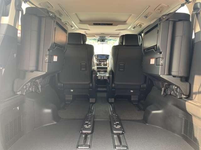 2.5S Cパッケージ トヨタセーフティセンス・レーザークルーズコントロール・ディスプレイオーディオ・シーケンシャル・BSM・メモリー付きパワーシート・AHS・両側電動ドア・パワーバックドア・3眼ヘッドライト(19枚目)