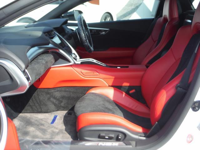 ベースグレード カーボンエクステリアスポーツPKG 4WD(18枚目)