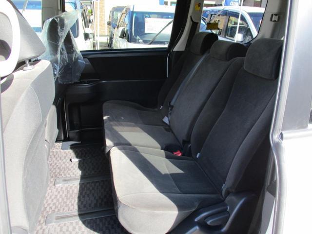 トヨタ ヴォクシー X Lエディション地デジSDナビBカメラ自動ドア2年保証
