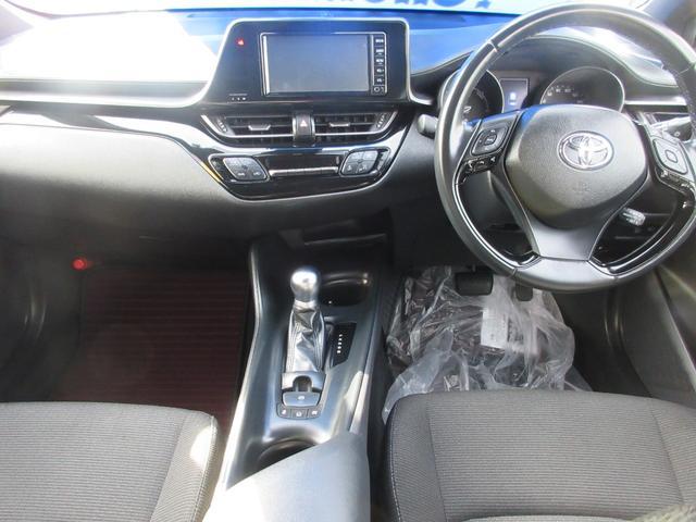 S ナビ バックカメラ トヨタセーフティセンス クルーズコントロール プッシュスタート スマートキー オートライト アルミホイール オートエアコン UVカットガラス プライバシーガラス(7枚目)