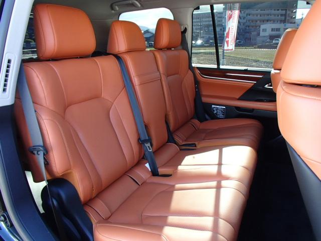 LX570 ワンオーナー モデリスタエアロ 電動サードシート(17枚目)