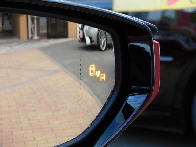 ブラインドスポットモニター(BSM)付き!左右の死角に他の車両がいる場合に、ウィンカーを出し、車線変更しようとすると、警告してくれます!事故を防いでくれるアイテムです!