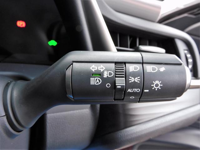オートライトも完備しております!外の明るさに合わせて、自動でヘッドランプを点灯又は消灯してくれます!ヘッドランプの点け忘れや消し忘れも防いでくれます!事故防止にもなりますよ!