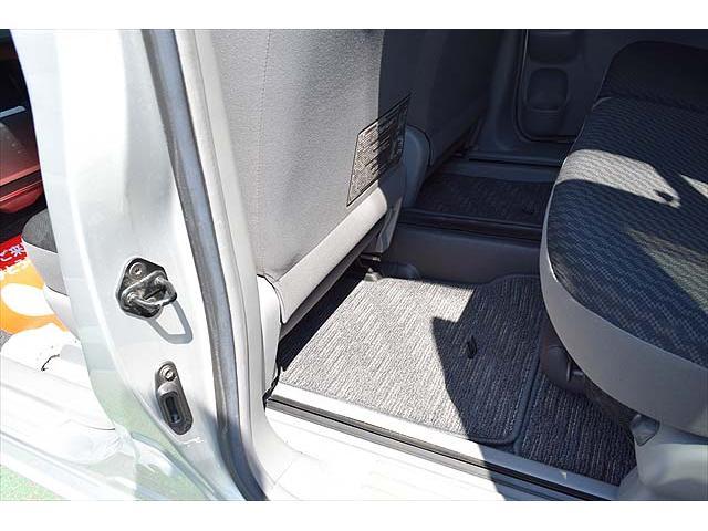 ■車内は専用クリーナーでルームクリーニングを施し、清潔に保たれています。
