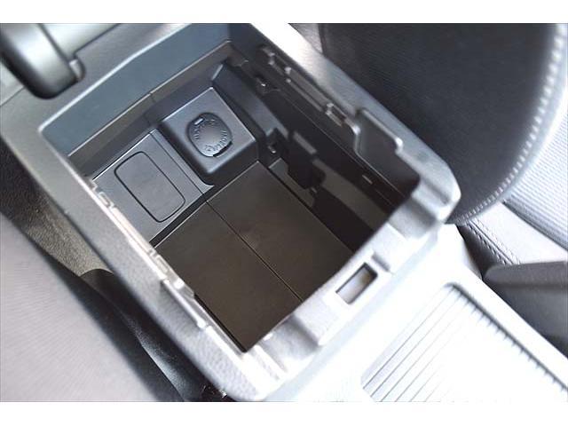 2.0i アイドリングストップ・クルーズコントロール・純正ドラレコ・1年間走行距離無制限保証・Panasonicナビ・バックカメラ・ETC・純正アルミ・ヘッドライトウォッシャー・ステアリングスイッチ(33枚目)