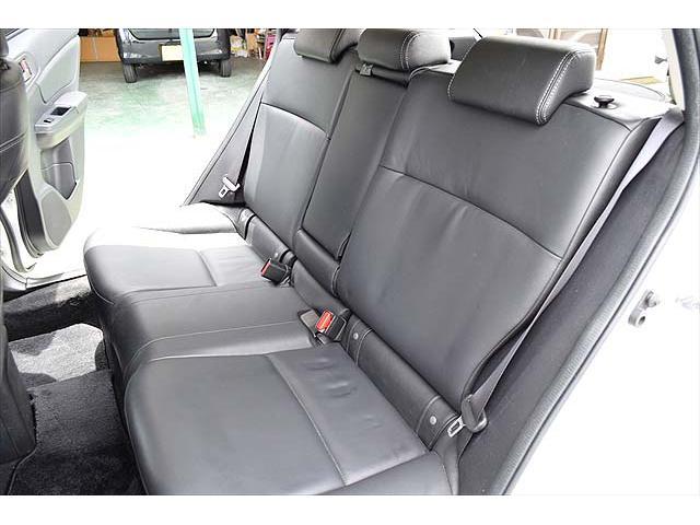 2.0i-L アイサイト 4WD・黒革シート・パワーシート・1年間走行距離無制限保証・アイドリングストップ・クルーズコントロール・プッシュスタート・carrozzeriaHDDナビ・バックカメラ・ETC・Bluetooth(23枚目)
