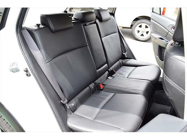 2.0i-L アイサイト 4WD・黒革シート・パワーシート・1年間走行距離無制限保証・アイドリングストップ・クルーズコントロール・プッシュスタート・carrozzeriaHDDナビ・バックカメラ・ETC・Bluetooth(67枚目)