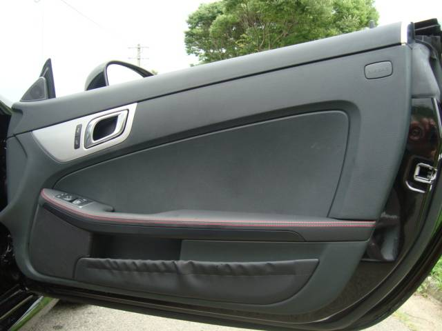 SLK200 6速MTAMGスタイリングP黒革AMG18AW(17枚目)