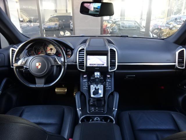 S ディーラー車 左H サンルーフ 21インチAW 黒革シート HDDナビ ETC ルーフレール Bカメラ アイドリングSTOP(8枚目)