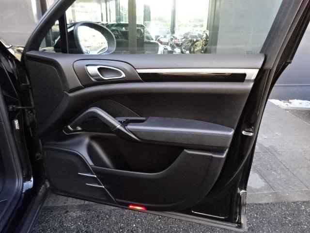 S ディーラー車 左H サンルーフ 21インチAW 黒革シート HDDナビ ETC ルーフレール Bカメラ アイドリングSTOP(12枚目)