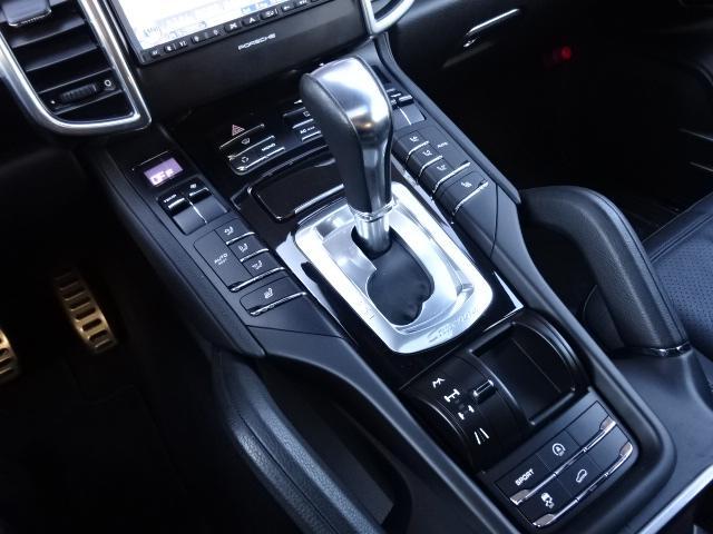 S ディーラー車 左H サンルーフ 21インチAW 黒革シート HDDナビ ETC ルーフレール Bカメラ アイドリングSTOP(14枚目)