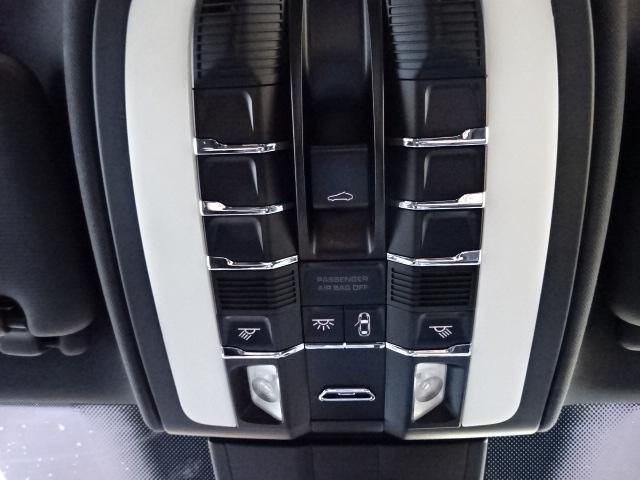 S ディーラー車 左H サンルーフ 21インチAW 黒革シート HDDナビ ETC ルーフレール Bカメラ アイドリングSTOP(36枚目)