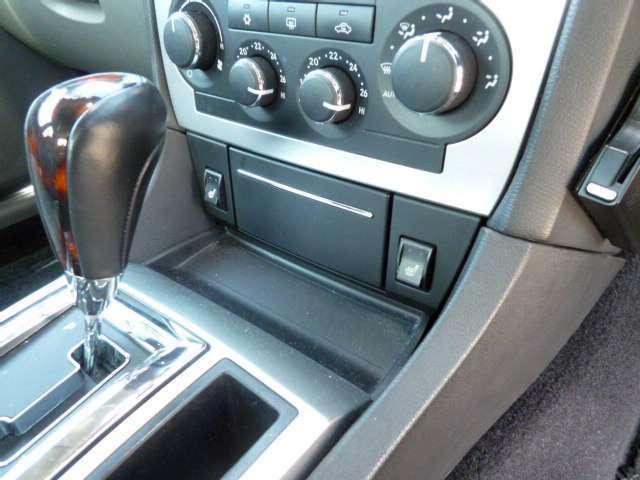 クライスラー クライスラー 300C 3.5 D車・HDDナビ・グレーレザー