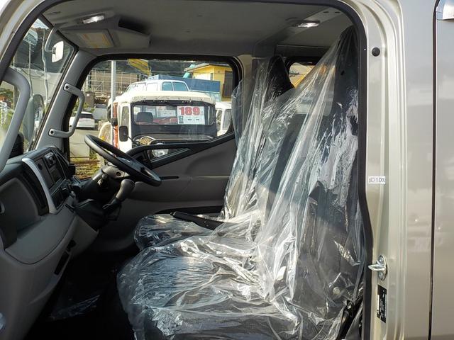 2t全低床 ダブルキャブ パワーゲート 衝突被害軽減ブレーキ搭載車 車輌安定性制御装置搭載車 車線逸脱警報装置(17枚目)