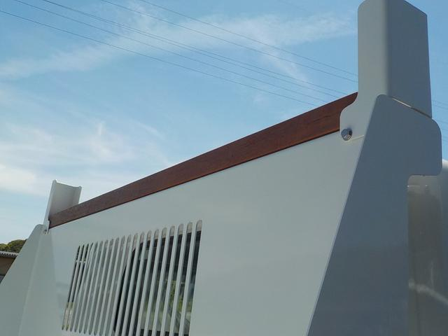 3t高床強化ダンプ 衝突被害軽減ブレーキ 車線逸脱警報装置 車輌安定性制御装置 キーレス 左電格ミラー コボレーン 中間ピン 枕木 角出し フォグランプ Bluetooth内蔵型ラジオ 登録済未使用(18枚目)
