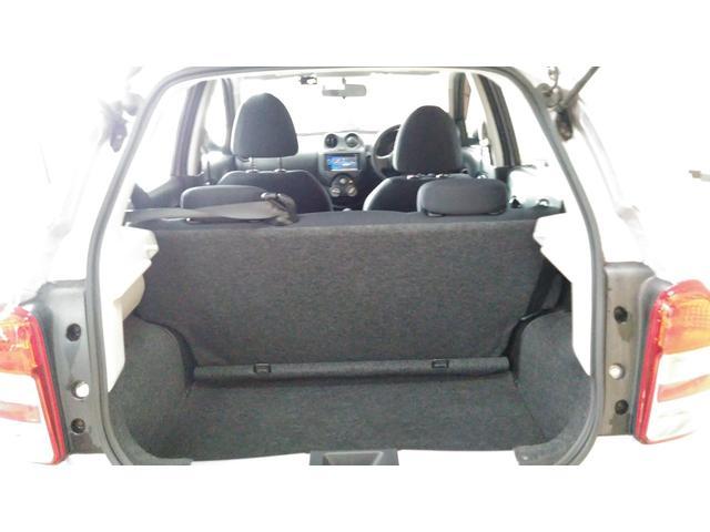 セカンドシートのシートアレンジで荷室も確保できますよ!