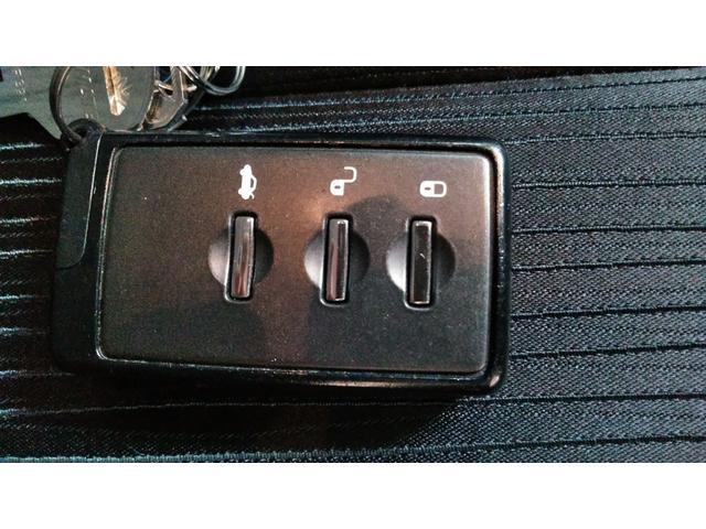 スマートキー!鍵を持っているだけで、施錠・エンジン始動可能です!