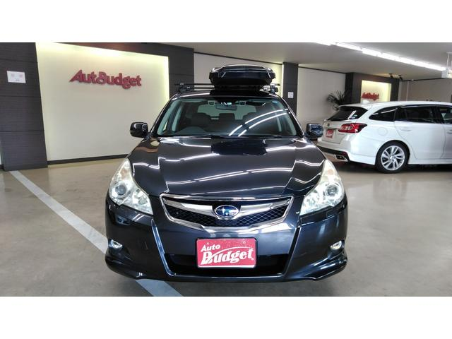 安心のアイサイト付レガシィツーリングワゴン入庫です。ルーフキャリアとキャリアボックスも付いてアウトドアな人におすすめ!4WD・SI-DRIVEで悪路走行もサポートあります。純正ナビも付いてます。
