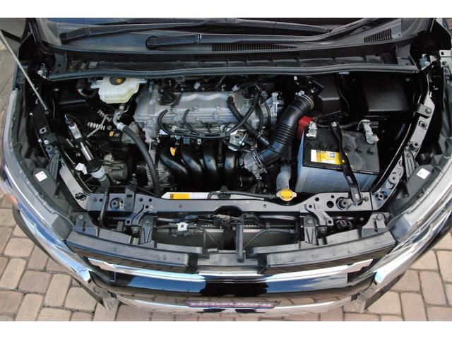 私たちは、展示車両が入庫してすぐに、エンジンルームのスチーム洗浄を行います。見た目ももちろんありますが、エンジンの状態をチェックする為にも、必要な作業だと思っています☆