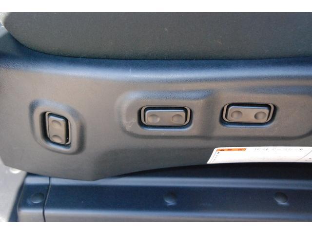 ★サイドリフトアップ車★左側2列目シートがボタンにて稼働します★