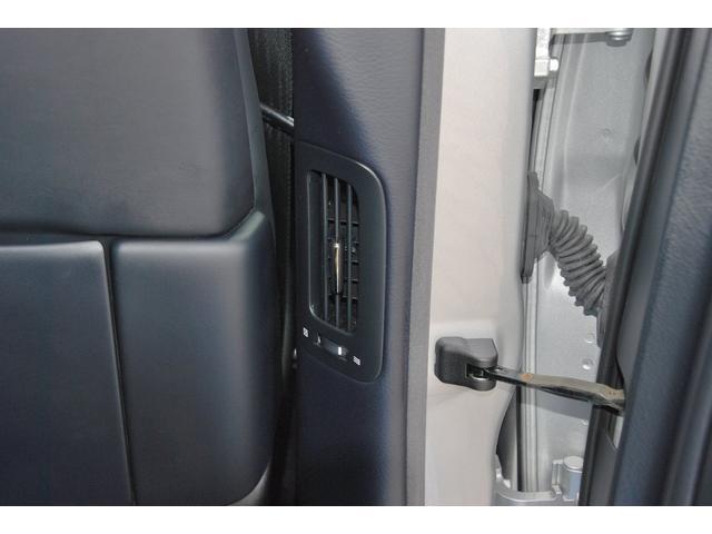 ★後席用エアコンはピラーにも付いています★