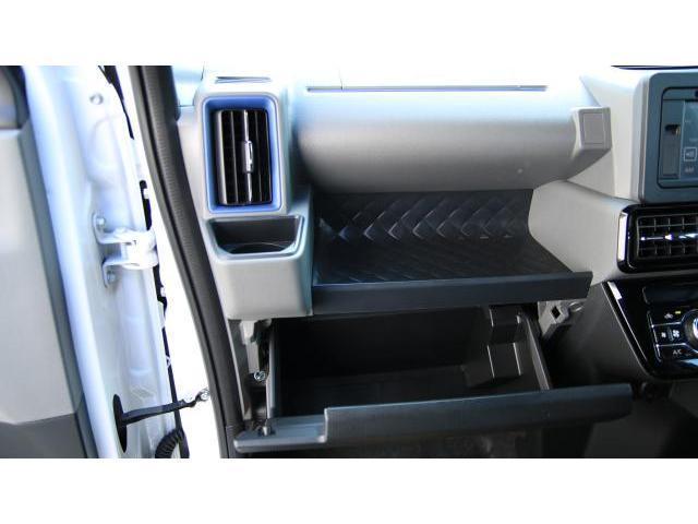 カスタムRS 両側パワースライド キーフリー ビルトインETC オートエアコン コンビシート ロールシェイド パーキングセンサー パノラマビュー ディスプレイオーディオ クルーズコントロール LEDヘッドライト(14枚目)