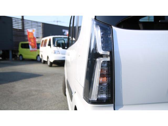 カスタムRS 両側パワースライド キーフリー ビルトインETC オートエアコン コンビシート ロールシェイド パーキングセンサー パノラマビュー ディスプレイオーディオ クルーズコントロール LEDヘッドライト(19枚目)