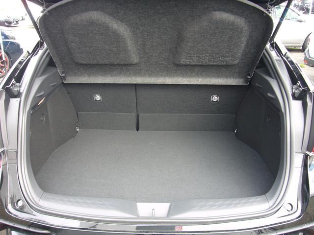トヨタ C-HR G メタリックスタイルパッケージ 純正9型ナビ