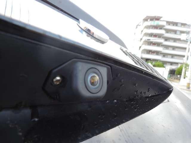 バックカメラ付きで駐車の際も安心ですね!