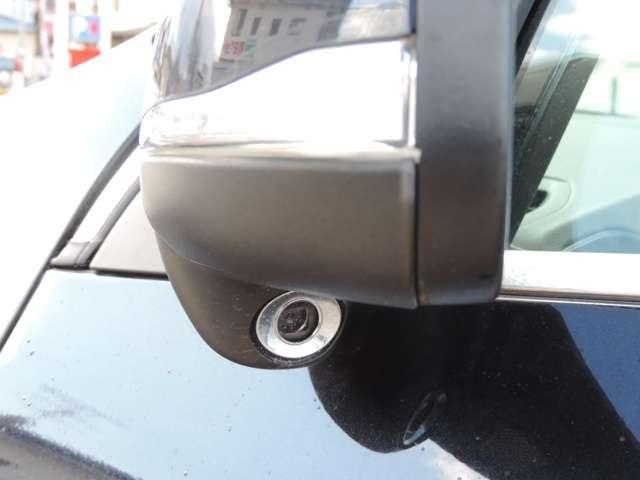ドアミラーウインカー装備です!おしゃれ、なおかつ、かっこいいデザインで車体とマッチしてます。