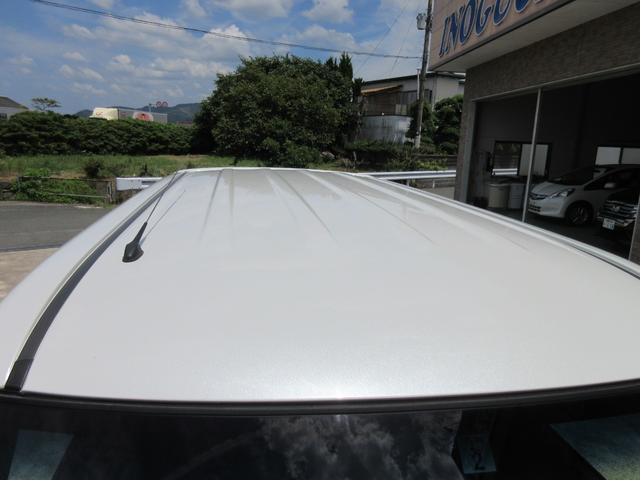 【高機能ボディガラスコーティング】当店ではコーティングをおすすめしております。車の鮮やかな輝きと美しさが向上し、様々な汚れから塗装を守ります。