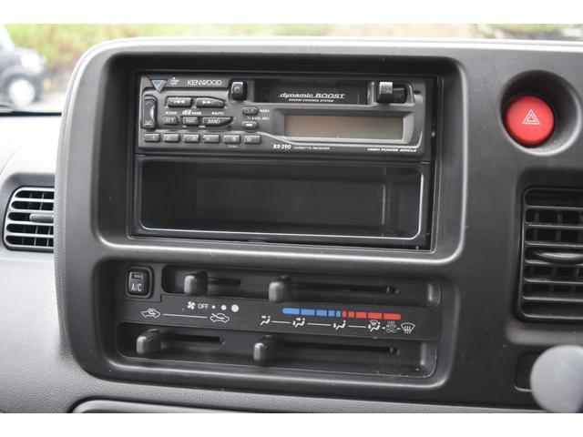 スペシャル 5速マニュアル車 5MT 2WD ワンオーナー リヤフィルム(12枚目)