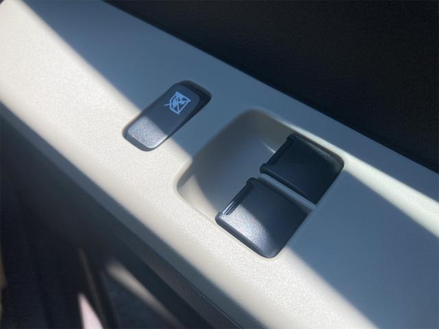 F 届出済未使用車 横滑防止装置 WエアB 衝突安全ボディ パワーウィンドウ(10枚目)