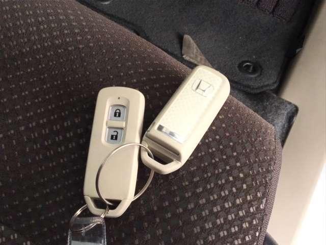 Gコンフォートパッケージ 純正CDチューナー シートヒーター ETC CDデッキ シートヒーター ETC スマートキー アイドリングストップ キーレス ディスチャージライト レーダーブレーキサポート カーテンエアバック(15枚目)