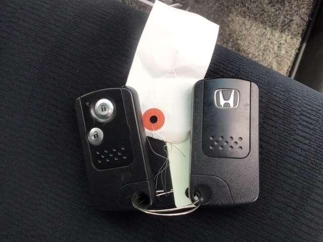 20G ホンダ純正HDDナビ フルセグTV リアカメラ クルーズコントロール AW ETC ABS イモビライザー キセノンヘッド スマートキ- エアバッグ(16枚目)