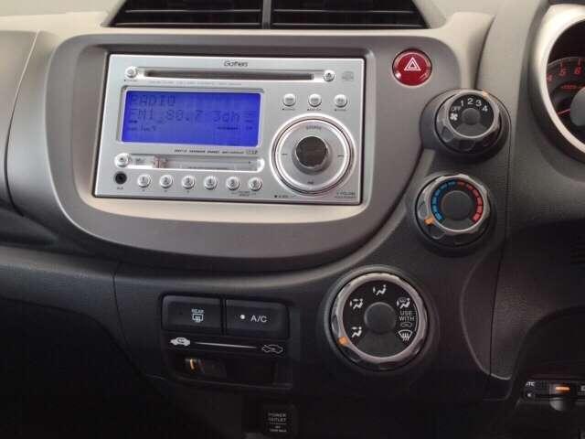 ホンダ フィット 13G・スマートセレクション 純正CDコンポ ETC スマートキ