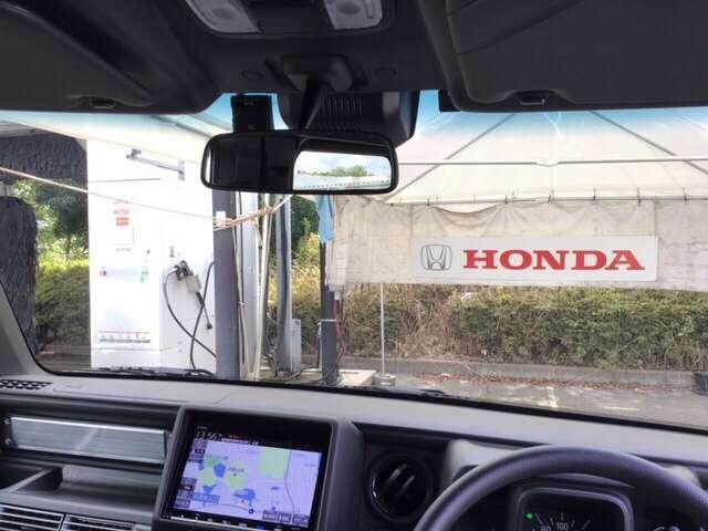 Hondaセンシング搭載!ミリ波レーダーと単眼カメラで、クルマの前方の状況を認識。ブレーキやステアリングの制御技術と協調し、安心・快適な運転や事故回避を支援する先進のシステムです!
