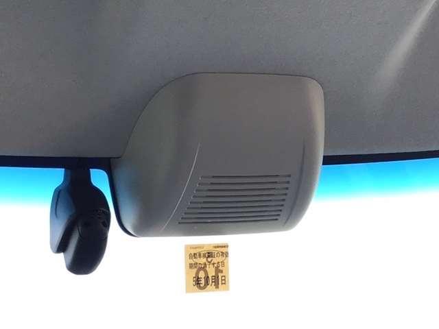 G・Lホンダセンシング 純正メモリーナビ LEDライト リヤカメラ アイスト 禁煙 ワンオーナ シートヒー ETC付 LEDヘッド 横滑り防止装置 両側スライド片側電動 スマートキー 盗難防止システム ABS サポカーS(4枚目)