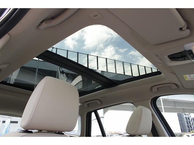 xDrive 18d xライン パノラマガラスサンルーフ オイスターレザー 19インチホイール LEDヘッドライト アクティブクルーズコントロール i-Driveナビゲーション バックカメラ USB/Bluetoothオーディオ 衝突警告ブレーキ(9枚目)