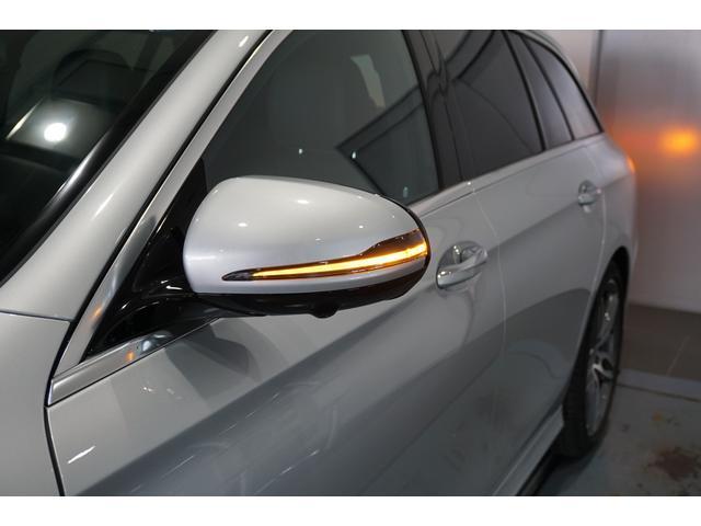 ヘッドライトやポジショニングライト、ウインカーにLEDが使用され良好な視界を確保します。