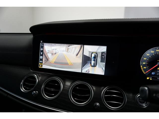 【360°カメラシステム】フロントカメラ・サイドカメラ・リアカメラにより車両周囲をバードビューで確認する事が出来ます。