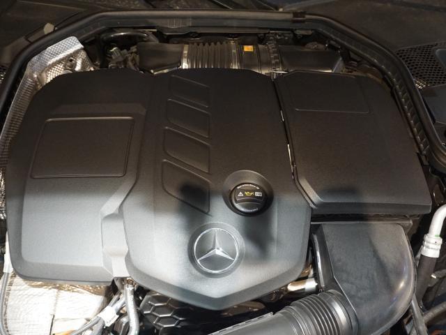 スムーズさと効率を極めた軽量コンパクトなエンジン、パワフルな加速と効率を実現するモーター兼発電機のBSGを搭載。
