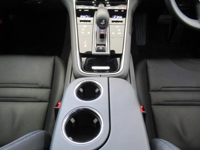 ベースグレード ディーラー車 5人乗 スポーツクノパッケージ ソフトクローズドア ACC スポーツテールパイプ PASM LEDヘッドライト サラウンドビューモニター 純正19AW ブラックレザーシート(13枚目)
