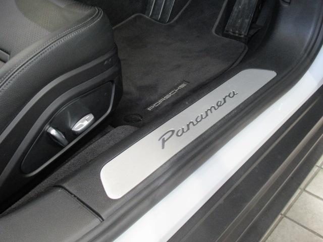 ベースグレード ディーラー車 5人乗 スポーツクノパッケージ ソフトクローズドア ACC スポーツテールパイプ PASM LEDヘッドライト サラウンドビューモニター 純正19AW ブラックレザーシート(18枚目)