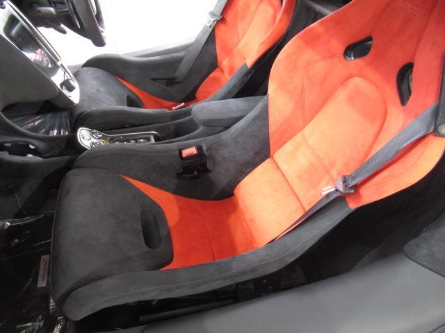 ベースグレード 1オーナー ディーラー車 右ハンドル サーキット未走行車両 MOSカーボンルーフスコープ ソフトクローズドア フロントリフティング アルカンターラLTインテリア グロスブラックアルミホイール(18枚目)