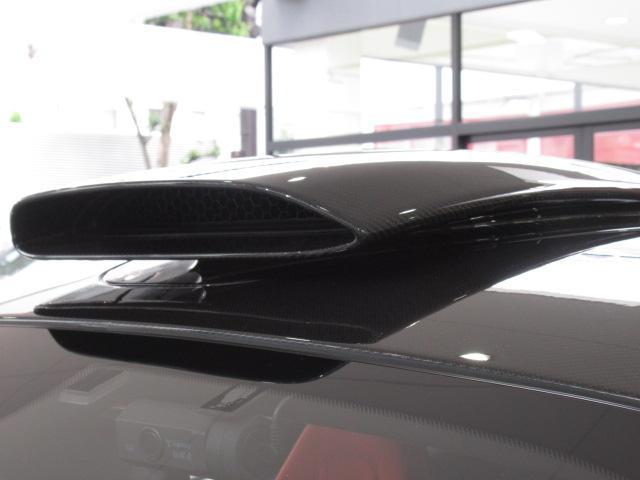 ベースグレード 1オーナー ディーラー車 右ハンドル サーキット未走行車両 MOSカーボンルーフスコープ ソフトクローズドア フロントリフティング アルカンターラLTインテリア グロスブラックアルミホイール(30枚目)