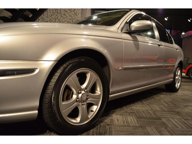 ジャガー ジャガー Xタイプ 2.0 V6 2006モデル ワンオーナー 禁煙車 革